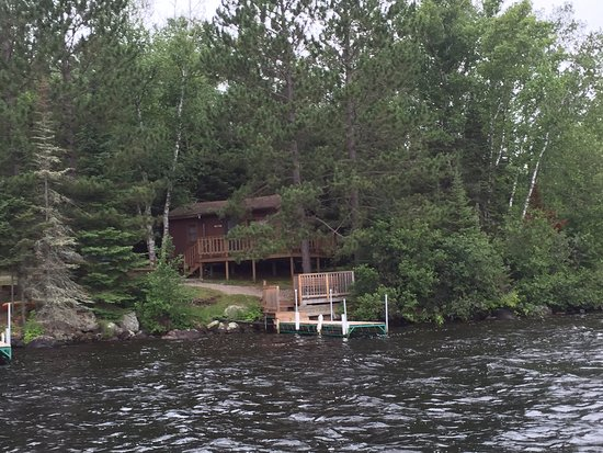 Timber Trail Lodge and Outfitter: approaching the Red Pine cabin from the lake