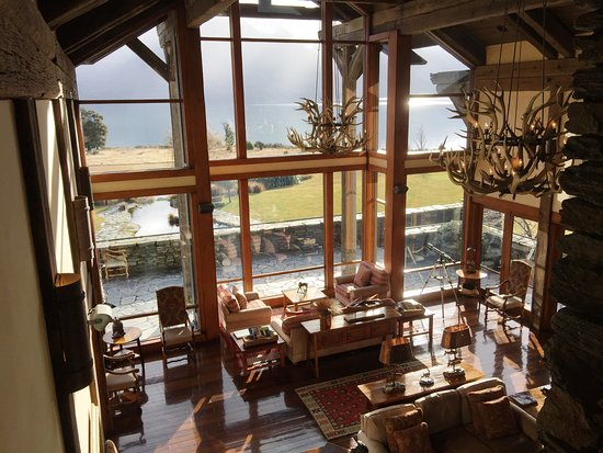 Blanket Bay: The Great room