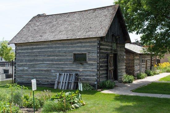 Alexandria, MN: Log cabin - authentic