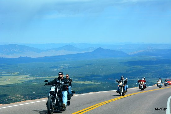 Pikes Peak: heading up....