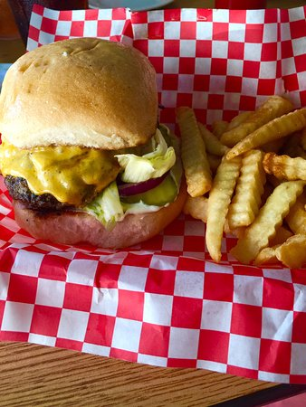 Bells, TN: The juiciest burger this side of the Mason Dixon Line