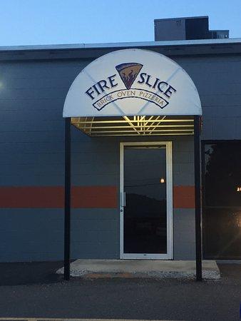 Fire Slice Pizzeria: photo0.jpg
