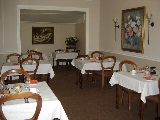 Roseland House: dining room