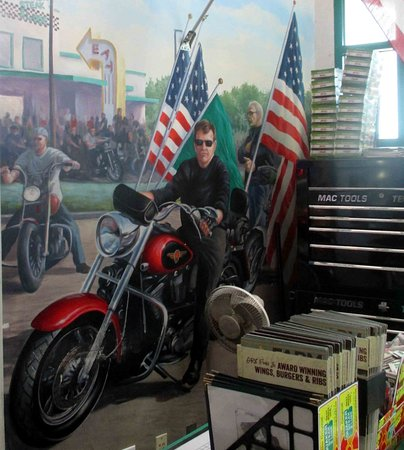 Quaker Steak & Lube: Love this Patriotic painting behind the hostess stand