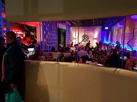 Costas Taverna Greek Restaurant and Ouzo Bar: Restaurant