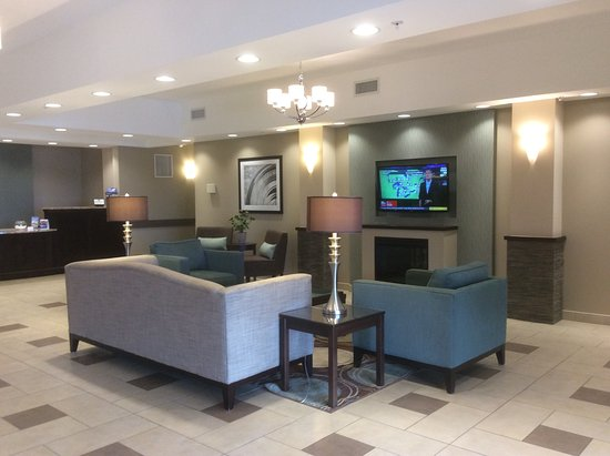 BEST WESTERN PLUS Walkerton Hotel & Conference Centre : Lobby
