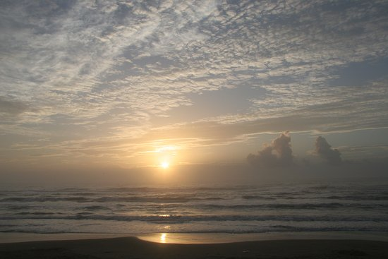 Seabreeze Beach Resort: Sunrise