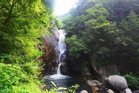Senga Waterfall
