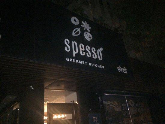 Spesso Gourmet Kitchen: Spesso by night