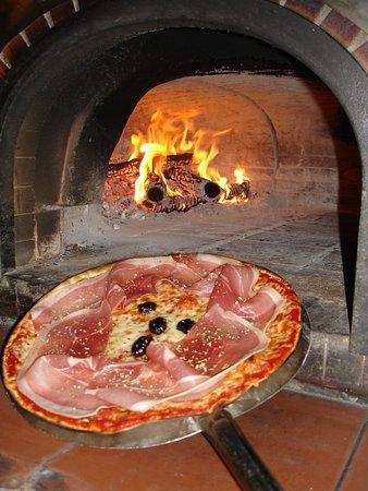 La Pizzeria : Au feu de bois