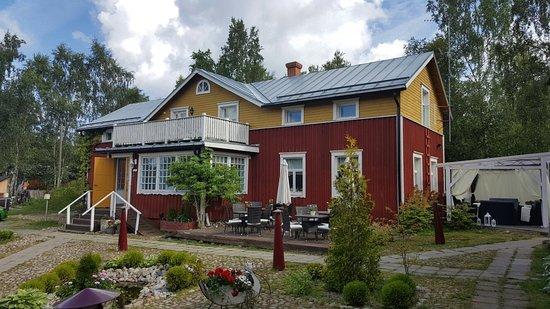 Mustasaari, Φινλανδία: Merenkurkun Majatalo