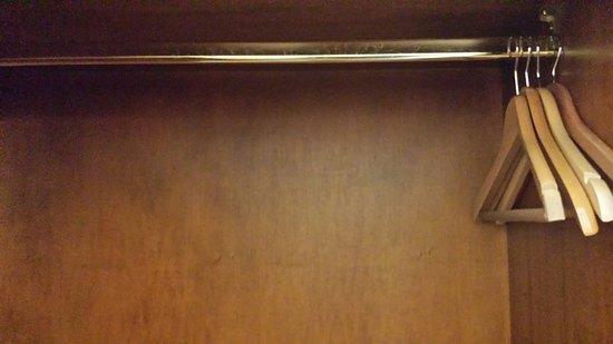 4 Bugel Im Schrank Nicht Genutzt Picture Of Antik Hotel Bristol