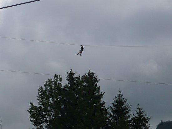 Park Kosutka: Adrenalinová lanovka nad údolím (450m dlouhá!)