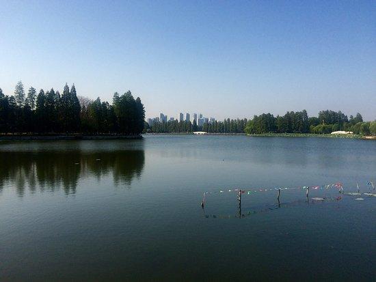 East Lake in Wuhan: photo0.jpg