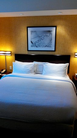 SpringHill Suites Dallas DFW Airport North/Grapevine: 20141015153027_large.jpg