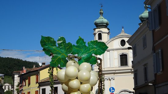 Cormons, Italy: Sanctuaire Rosa Mistica - Un jour de fête