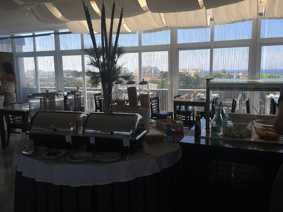 Velamar Boutique Hotel: Breakfast room on 3rd floor with view.