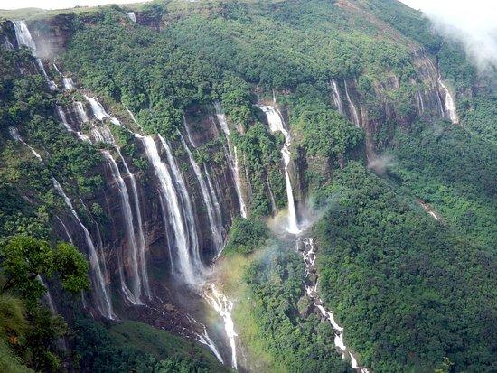Nohsngithiang (Seven Sisters) Falls
