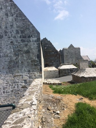 Ardfert, İrlanda: Graveyard