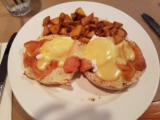 """Fairway Restaurant & Pizzeria: The """"Nova"""" breakfast"""