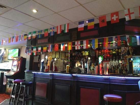 Harrow, UK: The Bar