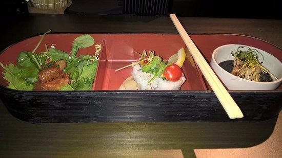 I tre assaggi durante l\'aperitivo al bar - Foto di Nobu Milano ...