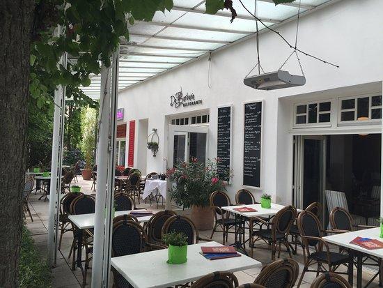 Centralhotel Binz: Mysig restaurang vid stranden