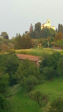 photo1.jpg - Foto di Terrazze di Montevecchia Agriturismo ...