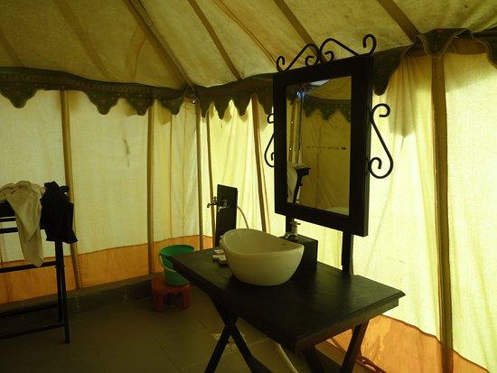 Rann Utsav Tent Bathrom & Tent Bathrom - Picture of Rann Utsav Bhuj - TripAdvisor