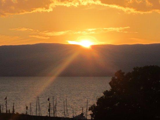 VVF Villages Evian: Couché de soleil vue de la terrasse du bar