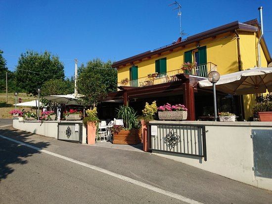 Osteria da Cesare & Locanda: Vue de l'extérieur accueillante