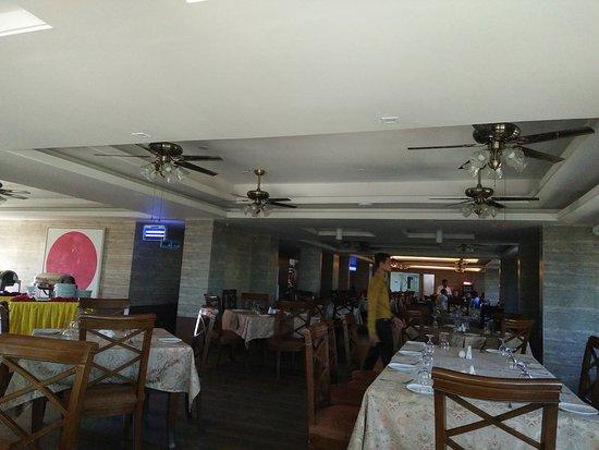 Neeshorgo Hotel & Resort