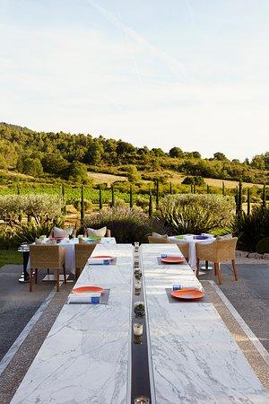 La Maison des Saveurs: La Table en marbre