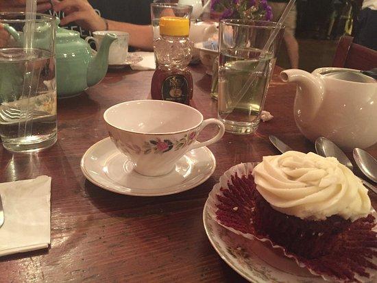 Alice's Tea Cup Chapter III : photo0.jpg