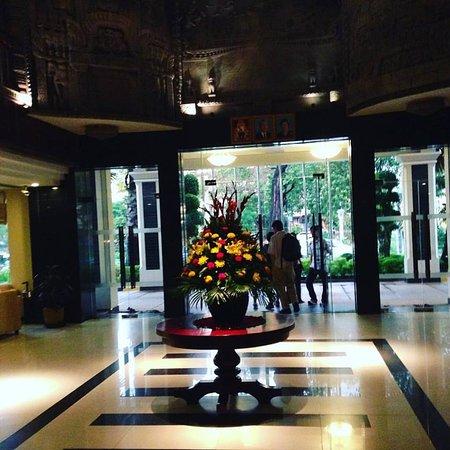 Angkor Riviera Hotel: Lobby