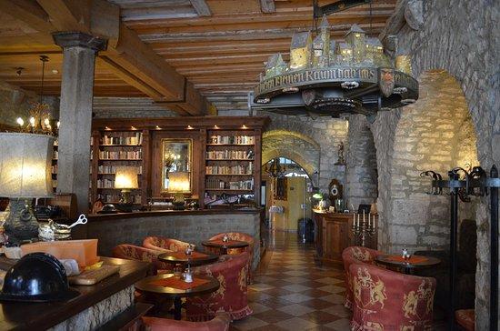 Hotel Gotisches Haus: historic lobby