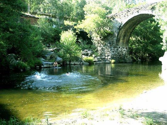Piscinas Naturales Del Rio Alagon Pasando Por La Provincia De