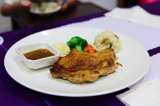 21 Holiday Resort: 晚餐:兒童餐