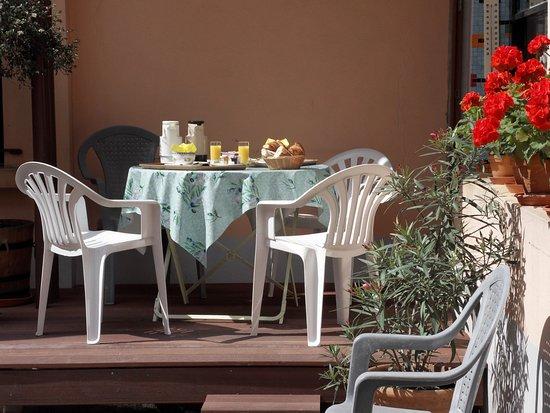Hotel Victoria : petit-déjeuner estival