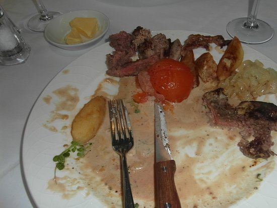 The Terrace at St George's: Steak so tough and tasted dreadful swimming in a tasteless sauce