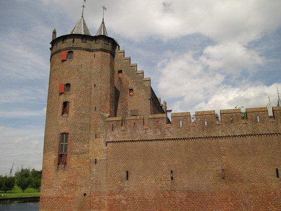 Muiden, Países Bajos: Outside of castle