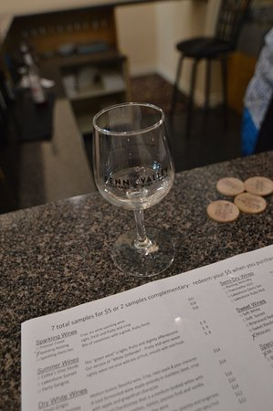 Saugatuck, MI: Fenn Valley Wine Tasting
