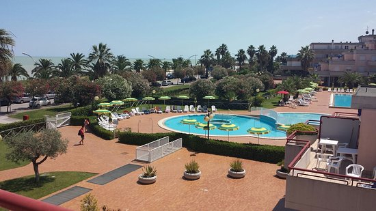 spiaggia - Picture of Residence Hotel Le Terrazze, Grottammare ...