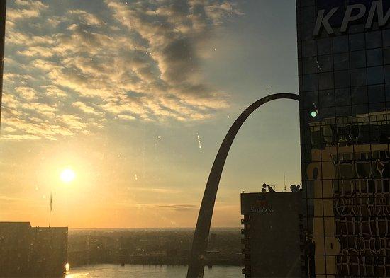 Hilton St. Louis at the Ballpark: photo2.jpg