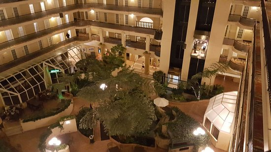 Embassy Suites by Hilton Indianapolis - North: 20160730_221416_large.jpg