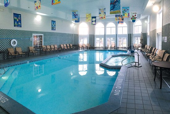 Hamilton Inn Select Beachfront Pool
