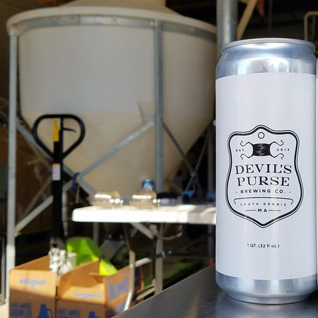 South Dennis, MA : Crowler can.