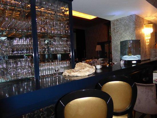 Full Bar Service Picture Of Hotel Park Restaurant Split