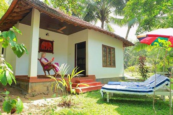 Ponmudi, Indien: Poolside Villa