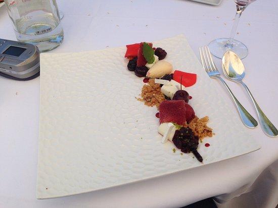 Rouffiac-Tolosan, Frankrijk: Sobremese com variação de frutas vermelhas e gengibre